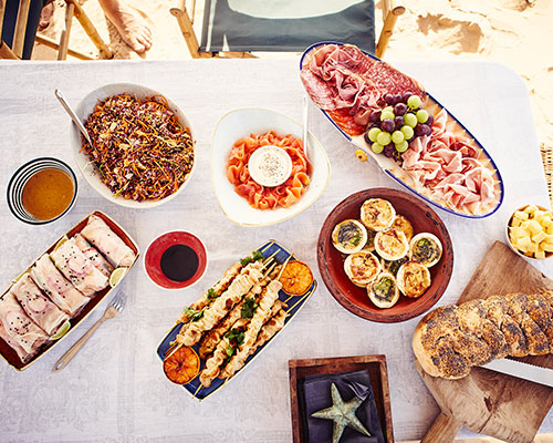 Gourmet-picnics-on-the-beach